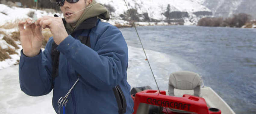 Tips for Enduring the Cold Weather While Fishing