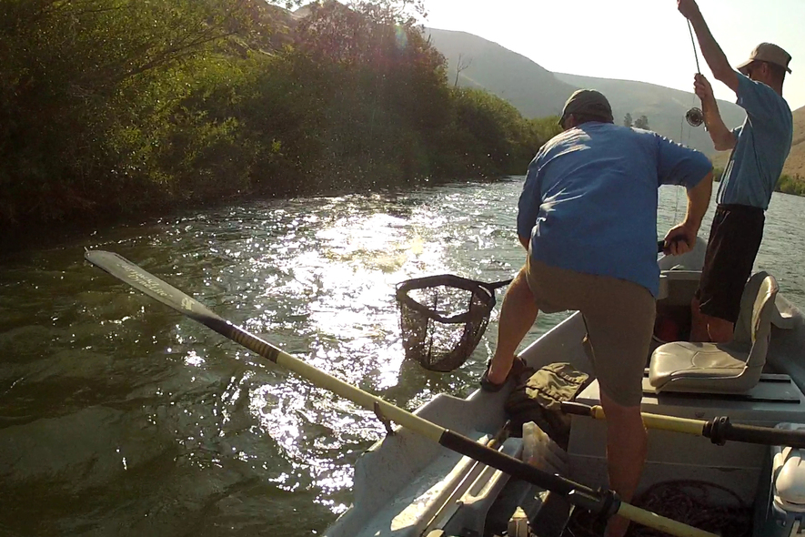 yakima river guided float trips netting fish
